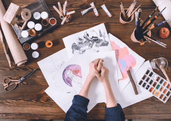 10 Props to Make your Art Flatlays better